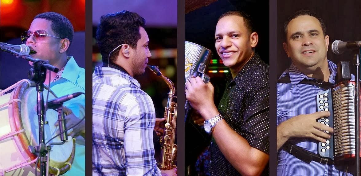 Banda Real En El Club De Los Ferreteros (11-15-2014)