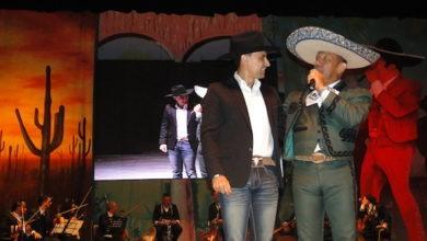 Photo of Robert  Liriano  Con Gran Impacto en Tributo a Javier Solís